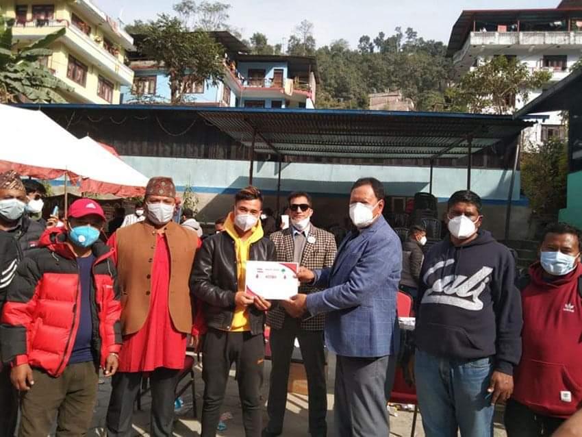 नेपाली कांग्रेस खेलकुद विभागको आयोजनामा बाह्रबिसेमा १ सय ३३ ले रक्तदान गरे