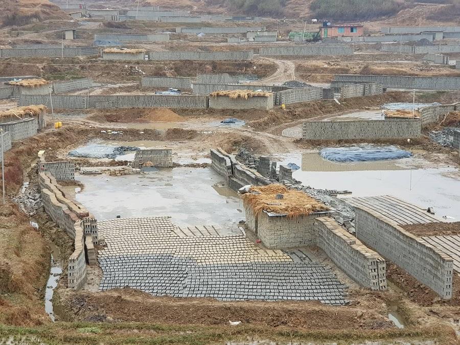 बेमौसमी पानीका कारण ललितपुरमा करिब तीन करोड इट्टा नोक्सान,व्यवसायी चिन्तित