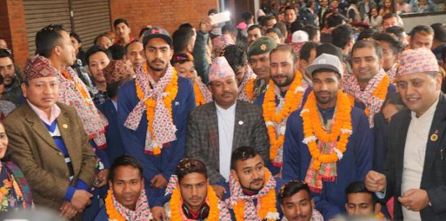 सिरिज जितेर स्वदेश फर्किएको राष्ट्रिय क्रिकेट टोलीको भव्य स्वागत